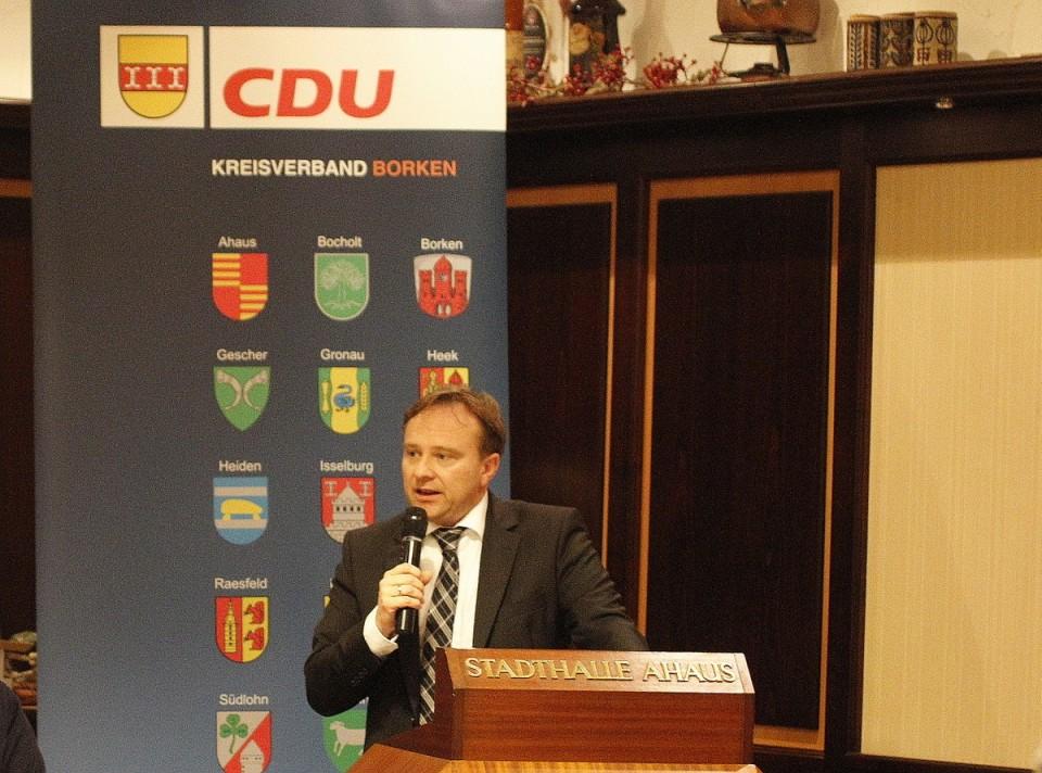 Landrat Dr. Zwicker in einer Versammlung der CDU Ahaus