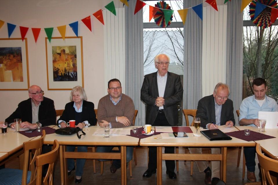 Der Vorsitzende begrüßt Thomas Vortkamp