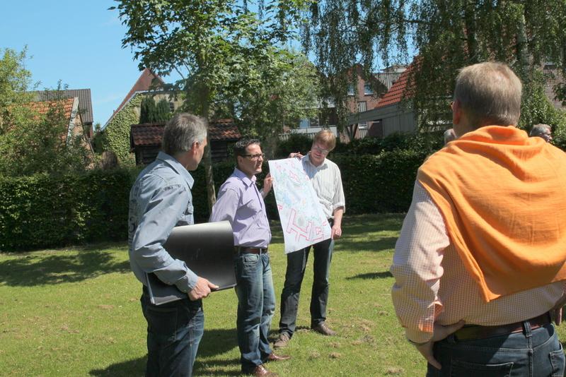 Landschaftsarchitekt Georg Ubbenhorst mit CDU-Ratskandidat Sven Engler und Ortsvorsitzendem Thomas Lefering